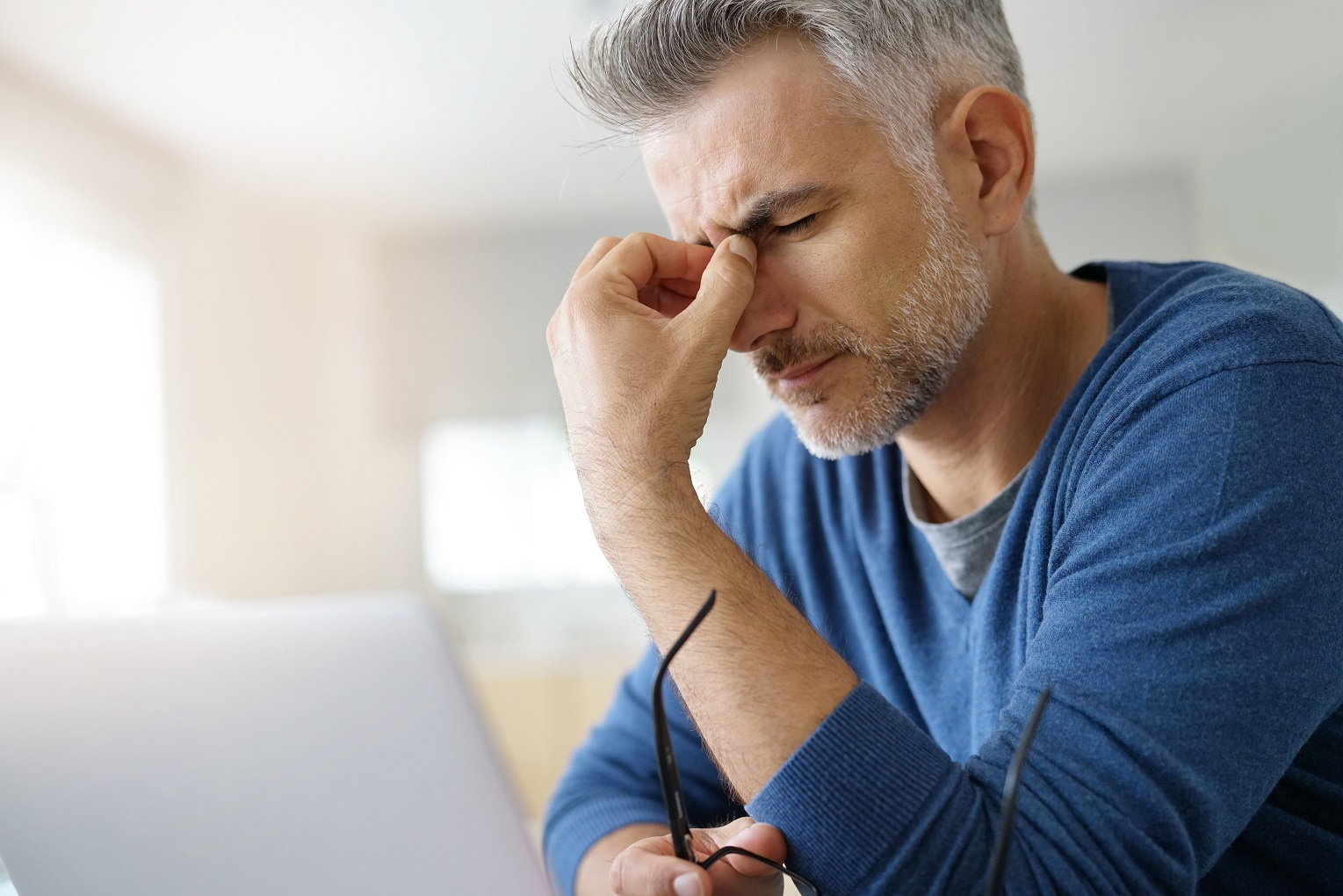 headache can lower prescription glasses damage eyes